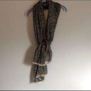 Accessories - Black and cream winter scarf